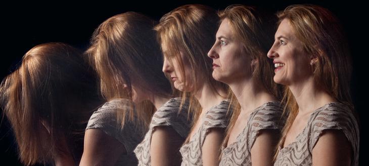 Donna con diverse emozioni. Disturbo Bipolare. Associazione Psicologia Cognitiva.